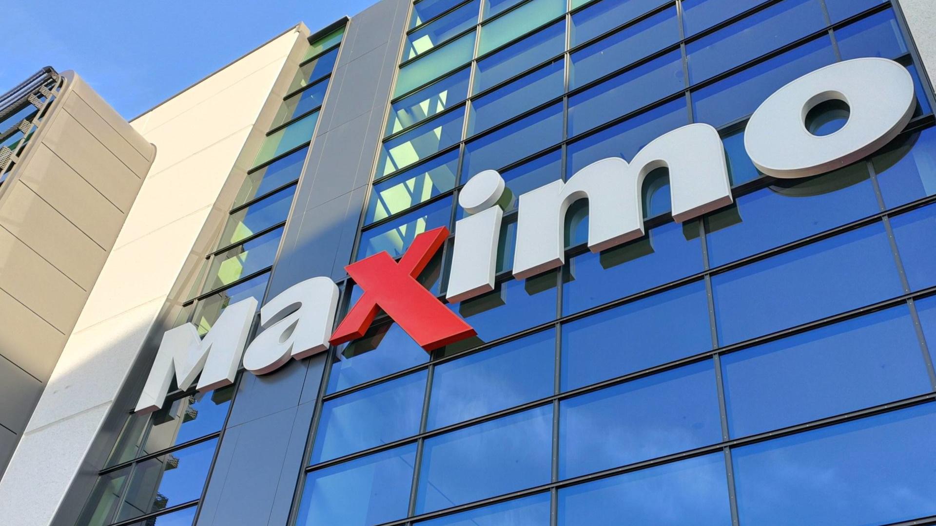 Maximo Shopping Center