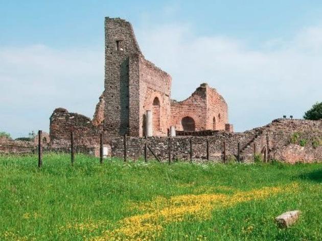 Ninfeo della Villa dei Quintili foto Parco archeologico dell'Appia antica