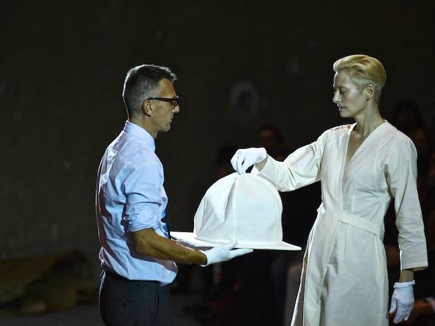 "Tilda Swinton e Olivier Saillard ""The Impossible"" Wardrobe Parigi Palais de Tokyo, ph. Piero Biason"