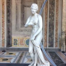 Afrodite della Troade, copia da originale greco, II sec. d.C., Museo Nazionale Romano Palazzo Altemps, ©Archivio fotografico MNR