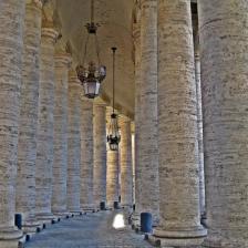 San Pietro, Colonnato. Foto David Mark, Pixabay.jpg