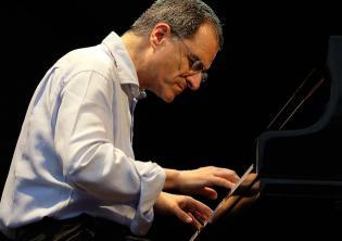 Enrico Pieranunzi Piano Solo-Foto sito ufficiale diEnrico Pieranunzi
